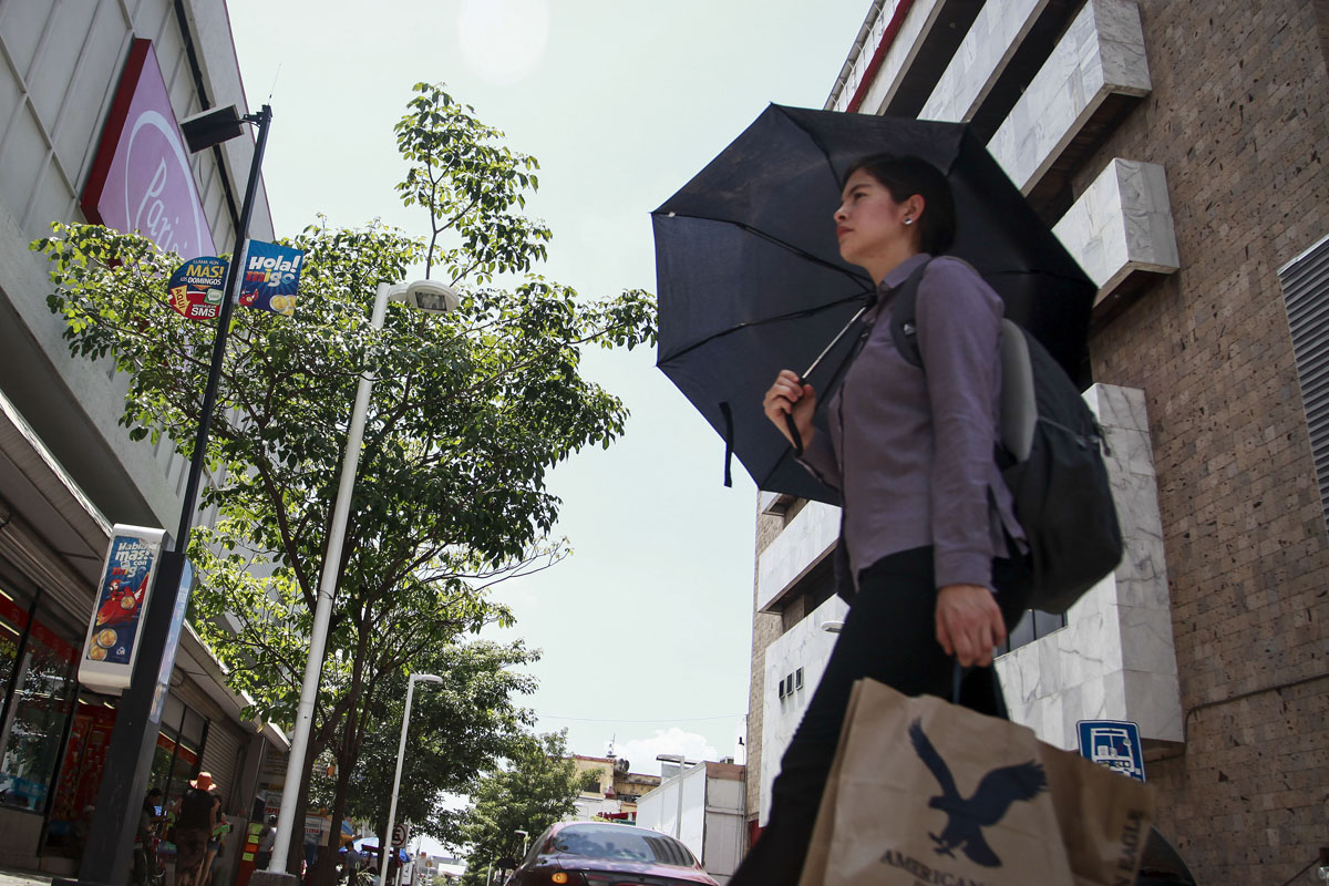 Alerta en 11 estados por tormenta 'Javier'