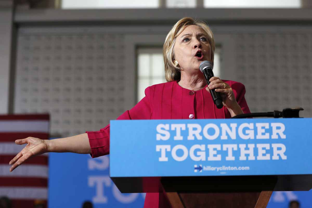 Clinton no se excusará sobre el uso de correo electrónico personal