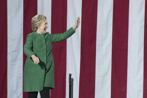 New Hampshire: Trump y Clinton se reparten primeros votos